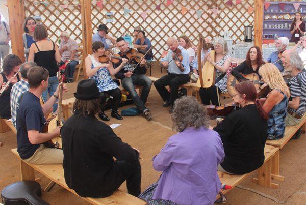 Alawon Cymru – tunes in Clera's session sets
