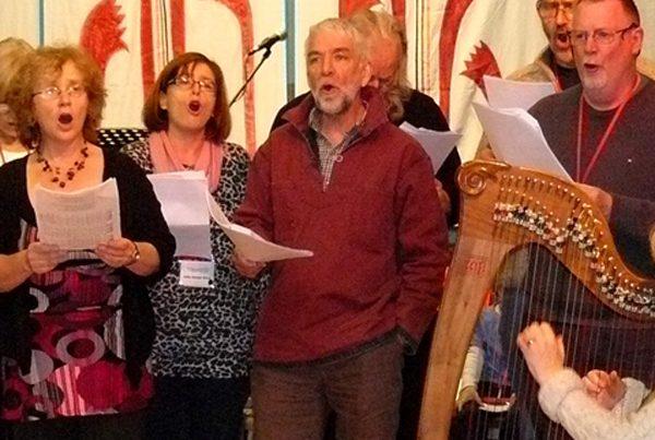 Learn Welsh folk songs with Arfon Gwilym