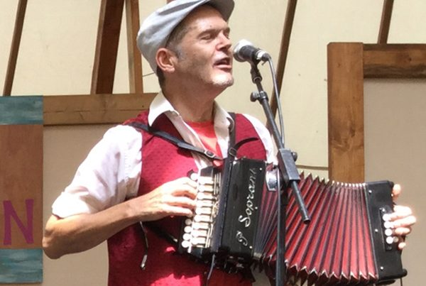 Learn some Welsh tunes with Guto Dafis